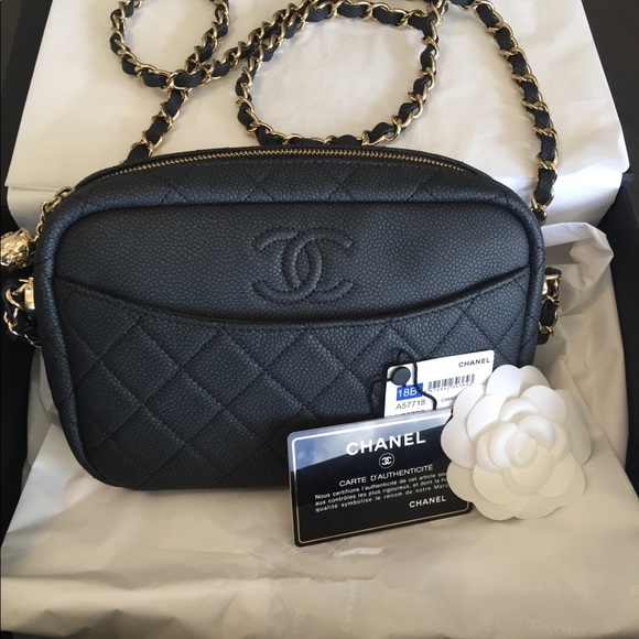 8e3aa21bcbed21 CHANEL Bags | 2018 Black Caviar Camera Case Handbag | Poshmark